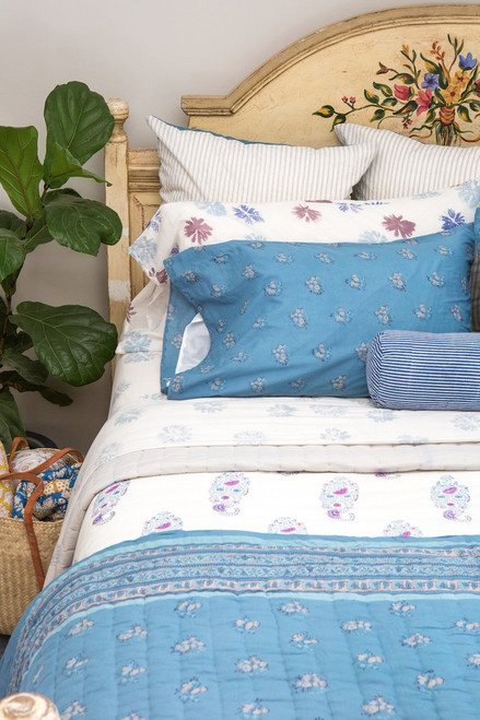 King Pillow Case (One Pillow Case) in Nami (Light Blue Floral)