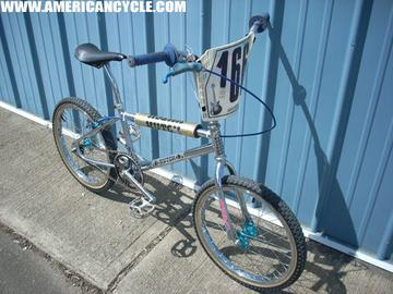 bike-hutch-oldschool-acebmx.jpg
