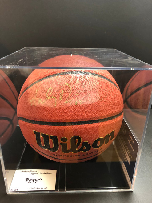 Anthony Davis signed Wilson BB with case.