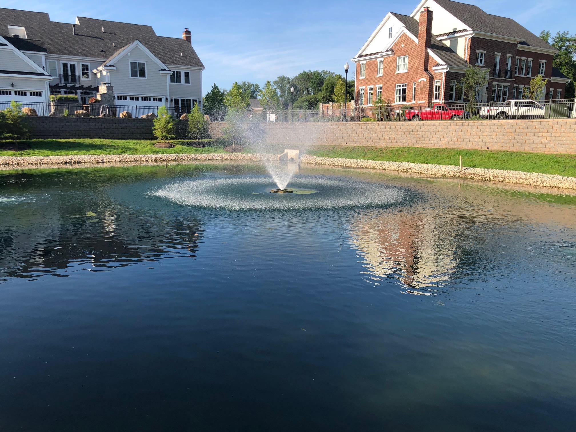nice-hoa-pond-kasco-water-foutain-hydro-logic-aquasplash-blue-pond-dye-aqua-link.jpg