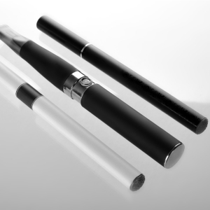 a cartridge e-cigarette and a traditional e-liquid vape pen