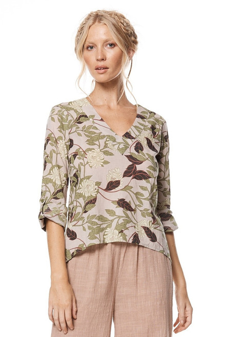 Lovely cotton shirt with long sleeve and soft floral print