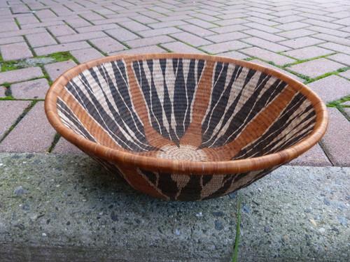 Open Vintage Bayei & Hambukushu Grass Basket - Mountain