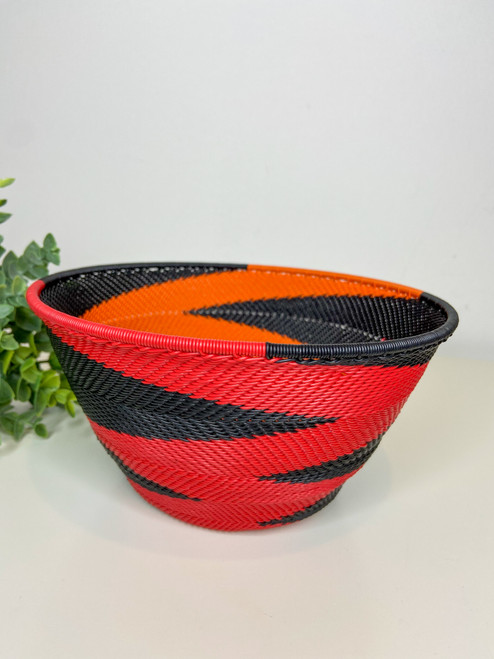 Telephone wire Large Deep Bowl - African Silhouette