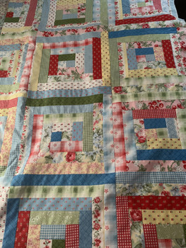 Cottage Chic Log Cabin Quilt Kit
