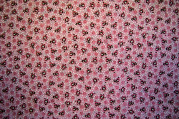 Vintage Miniatures SPW223 - Floral Dots - Pink