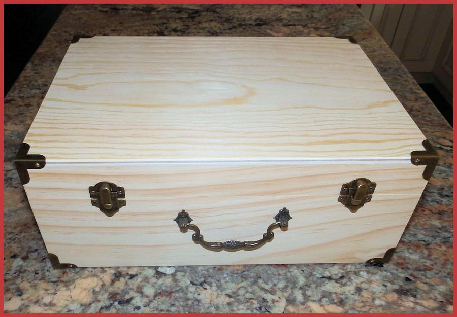 """Wood - Decorative Box With Metal Corners 12"""" x 9"""" x 5"""" (1923130L)"""