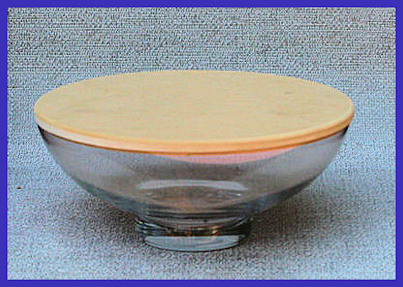 glass-16-inch-bowl-with-lid-at83067c.jpg