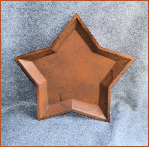 metal-star-plate-rusty-2-sizes12-inch-sm.jpg