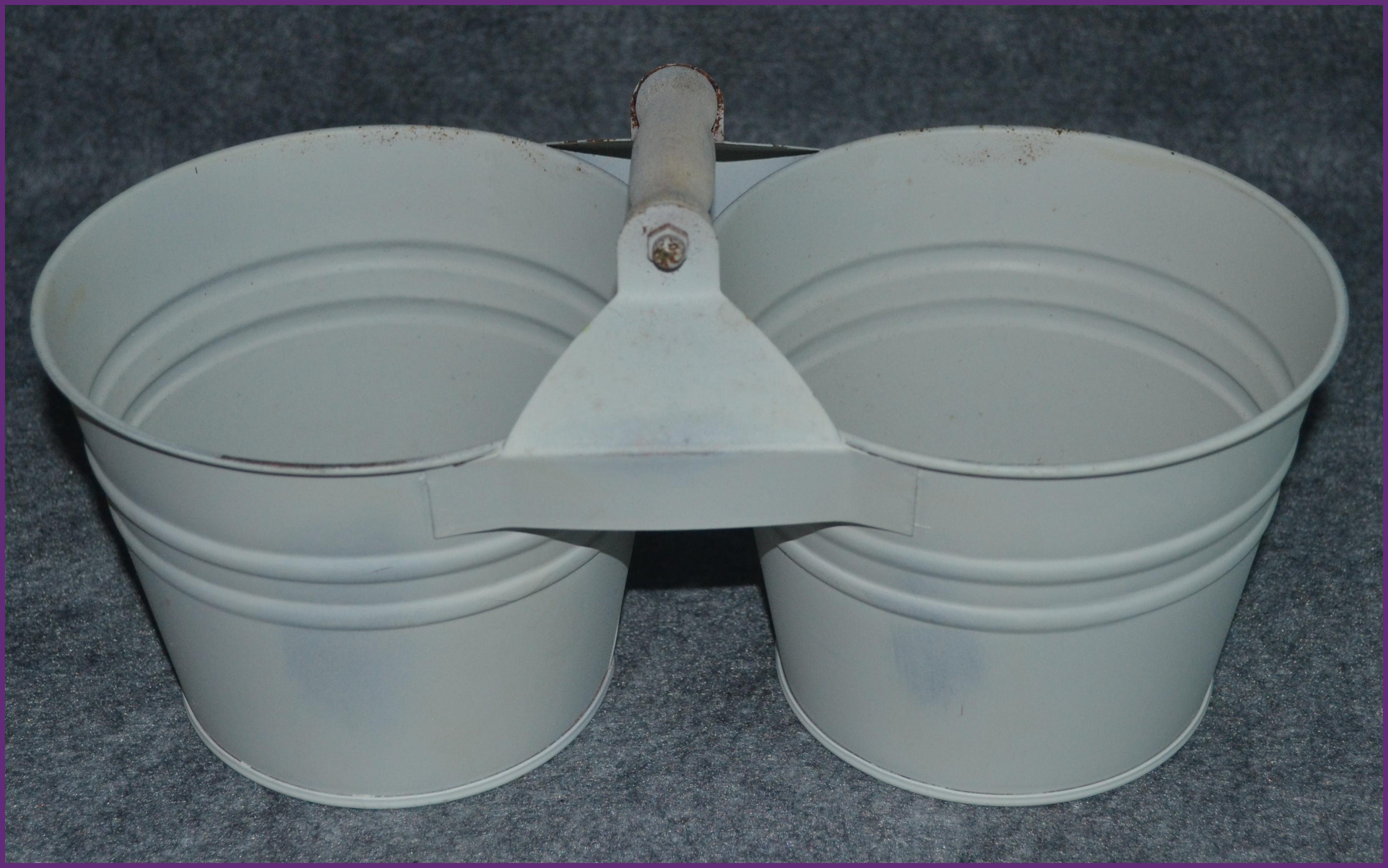 metal-white-metal-2-pot-holder-345001004-boarder.jpg