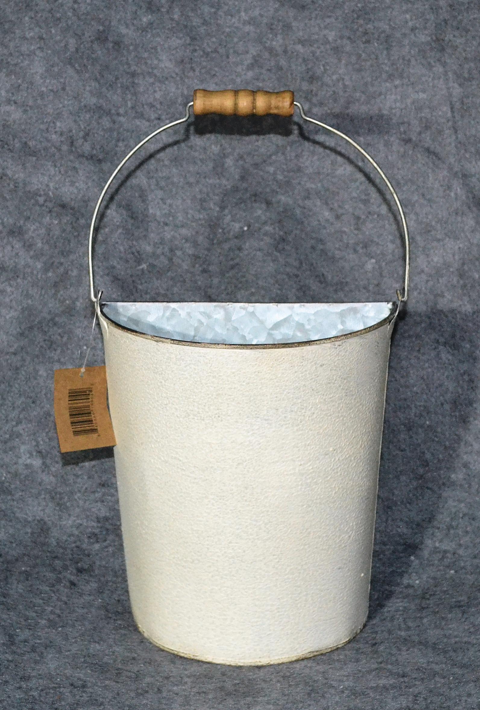 metal-white-metal-wall-bucket-mxf09095.jpg