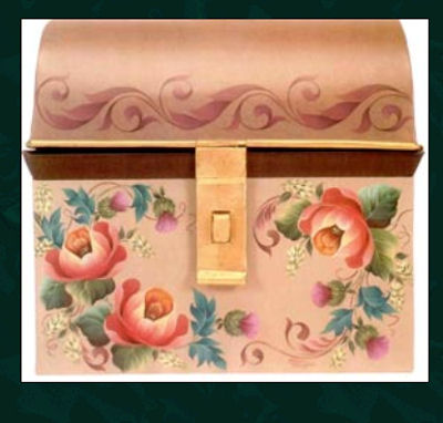 mmn-634-roses-on-a-domed-box-13131634.jpg
