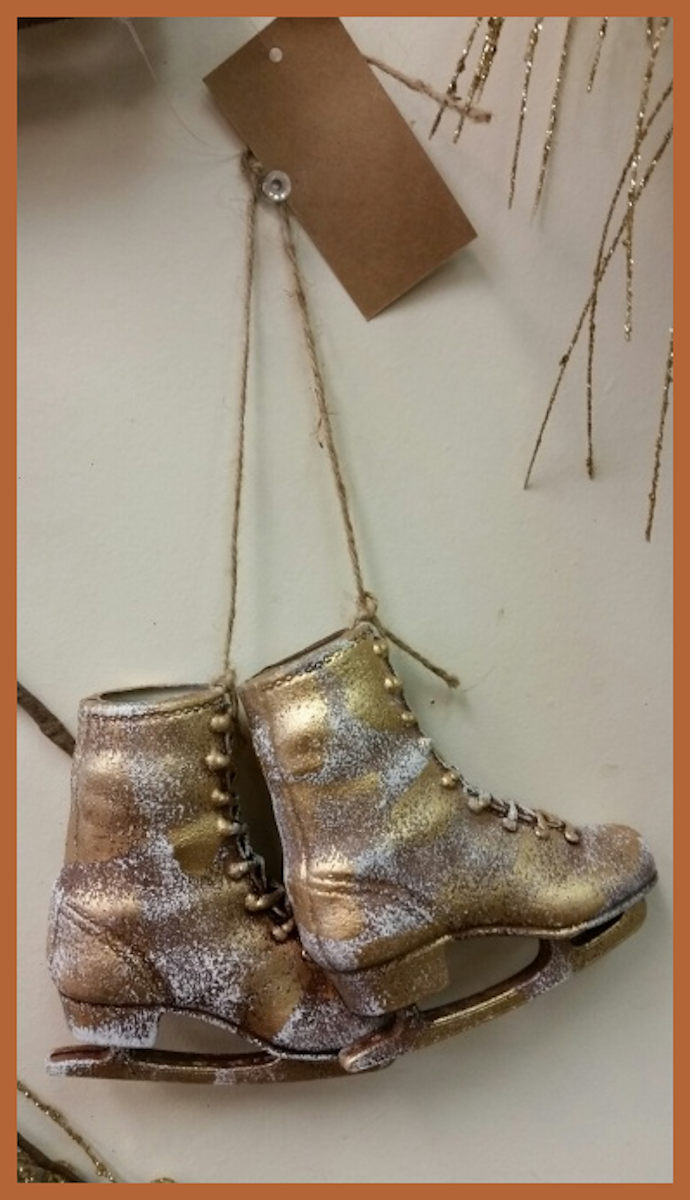 or-small-gold-skate-pair-.jpg