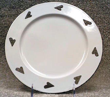 plate-enamel-plate-with-hearts-20137.jpg