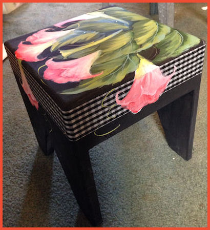 rs-2104-flower-stool-sm.jpg