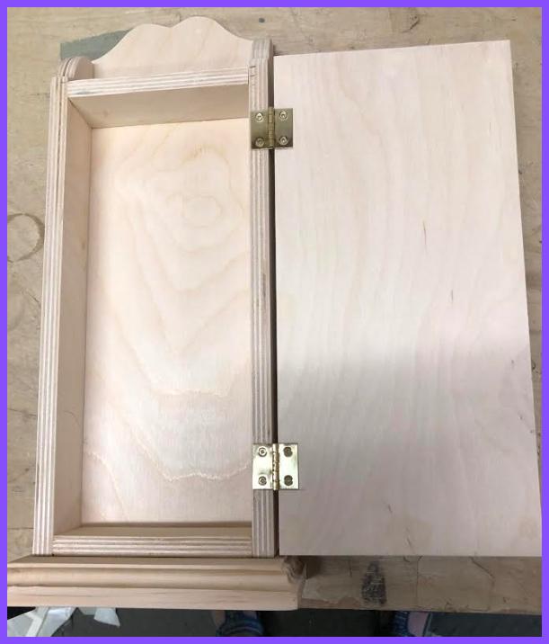 wood-geranium-key-box-open-1209995-boarder.jpg