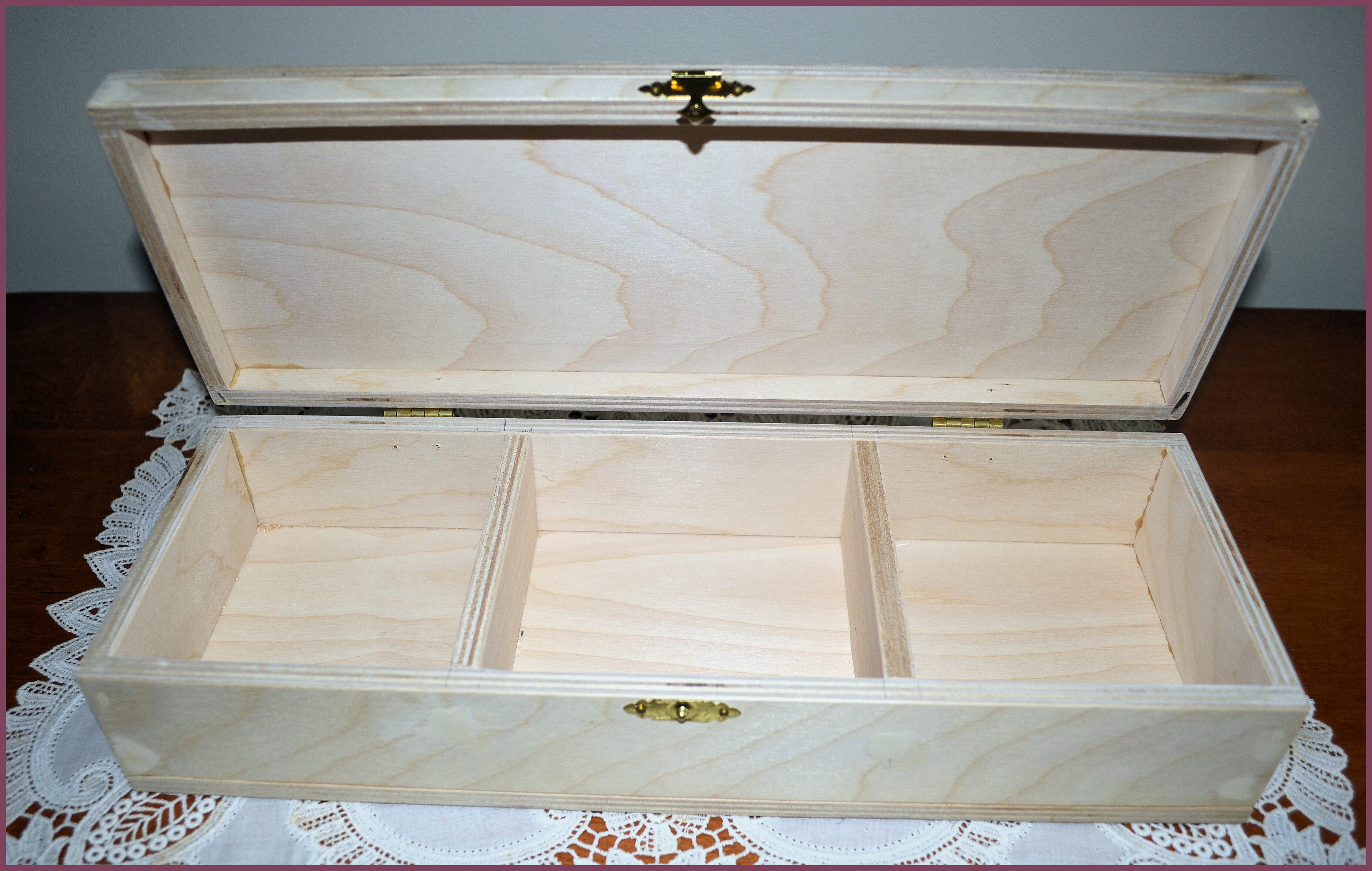 wood-jewlry-box-19230035-opened-boarder.jpg