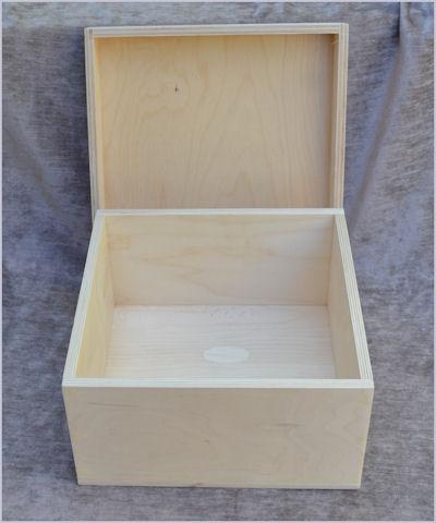 wood-shara-reiners-a-bowl-of-christmas-cheer-box-open-sr1-sm.jpg