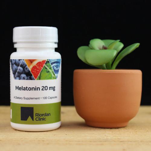 Riordan Clinic Melatonin 20 mg, 100 Capsules, bottle