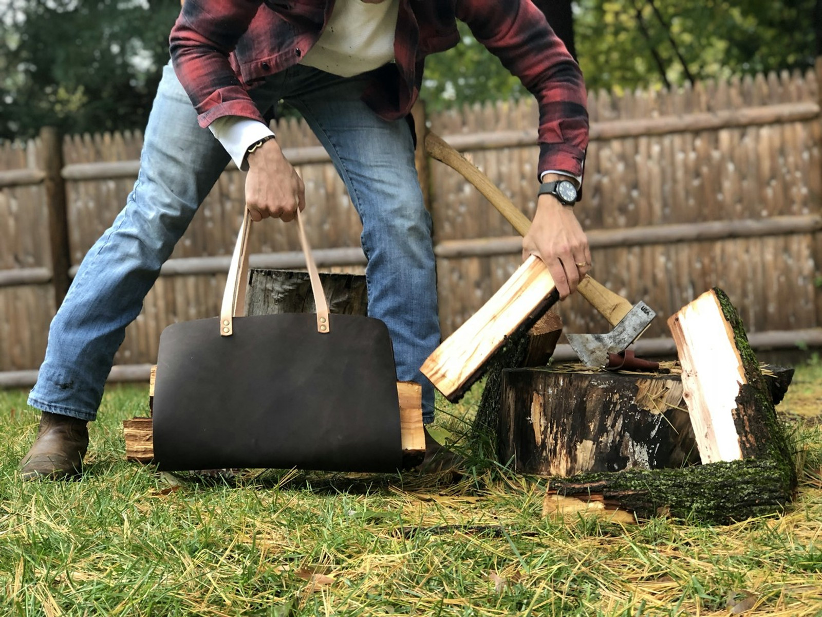 Campfire carrying bag with hammer riveted handle by American Bench Craft