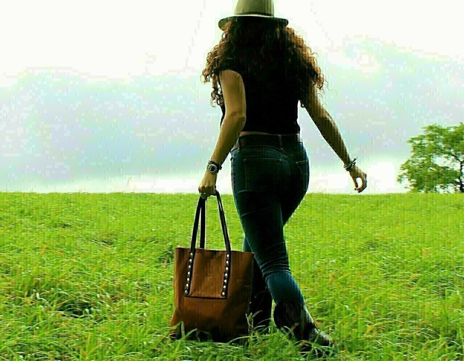 Women's riveted tote, vegetable tanned leather handles and oil tanned  body, rugged, durable, purse, accessories, leather purse, leather tote, rivets