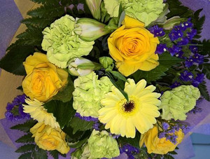 A sunshine coloured bouquet to brighten your day