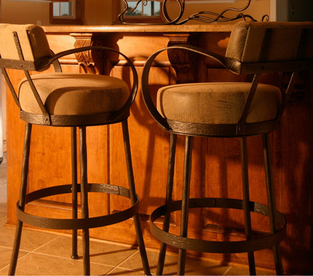 Picture of: Rustic Counter Stool Wrought Iron Bar Stools With Arms