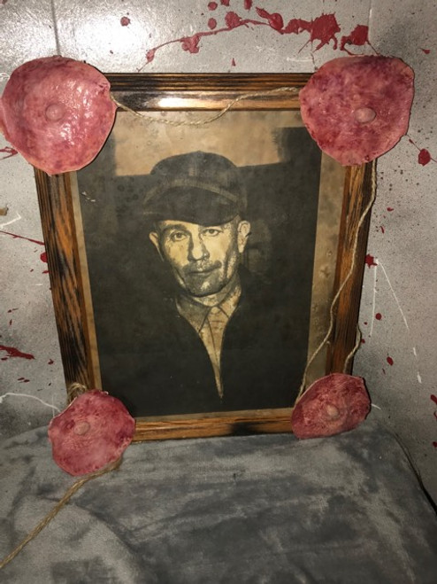 Ed Gein Trophy Picture