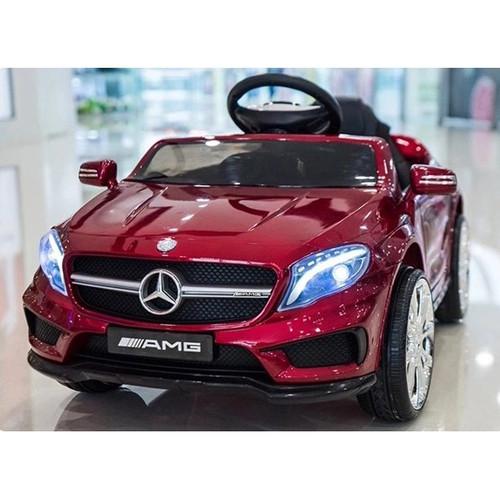 Mercedes GLA45 Red