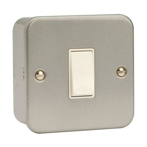 Metal Clad 10AX 1 Gang 2 Way Plate Switch with Back Box & Knockouts
