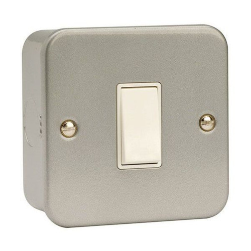 Metal Clad 10AX 1 Gang Intermediate Plate Switch, Back Box & Knockouts