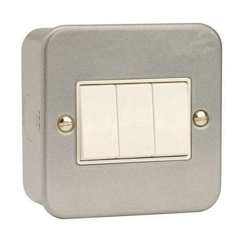 Metal Clad 10AX 3 Gang 2 Way Plate Switch with Back Box & Knockouts
