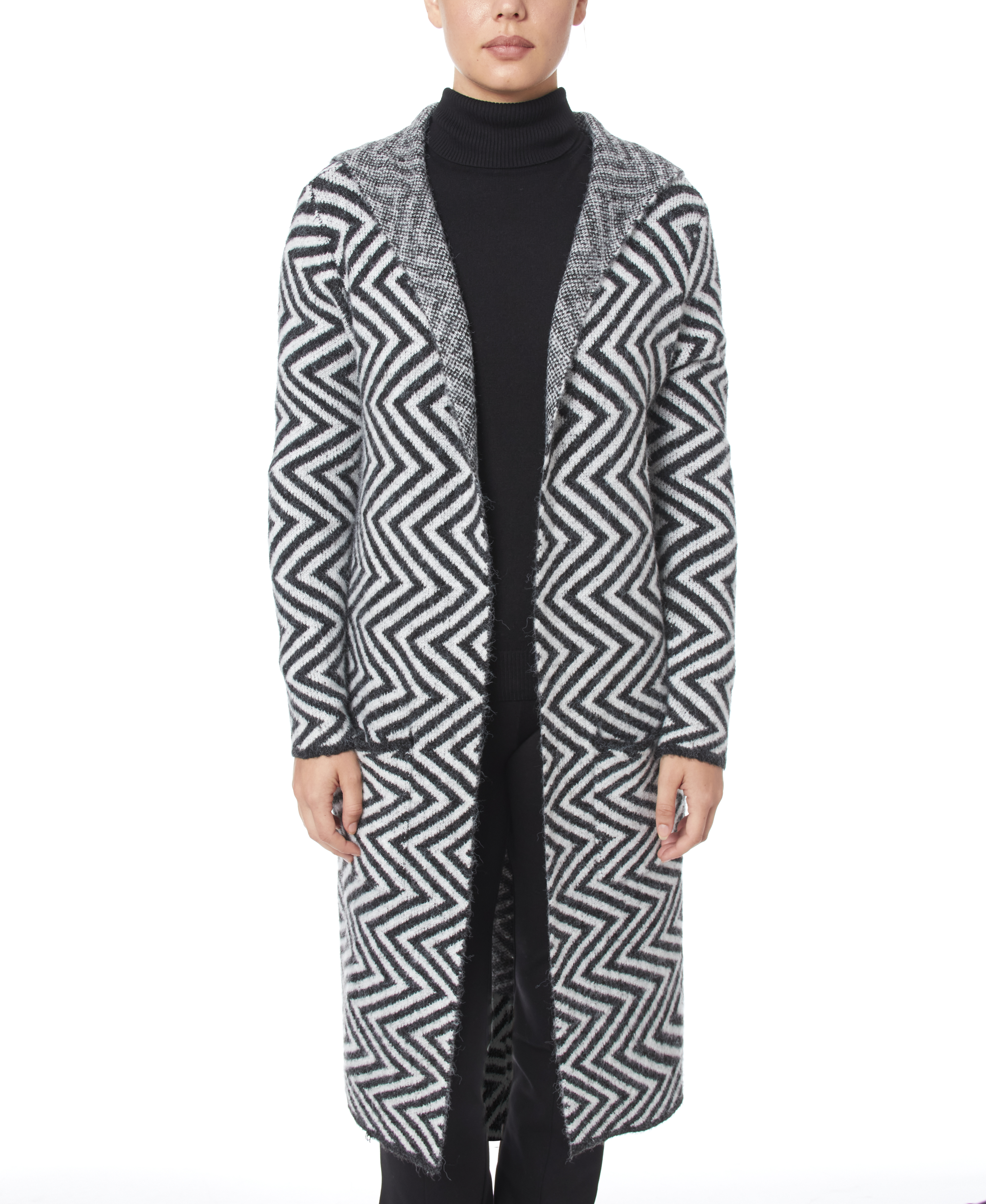 A good mix of comfort and style, this Joseph A maxi-length cardigan is the essential cozy layering element to compliment your wardrobe.