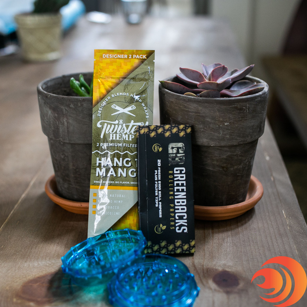 If you like flavored hemp papers, this smoker's rolling papers kit has Twisted Hemp Smooth Vanilla from Atomic Blaze smokeshop online.