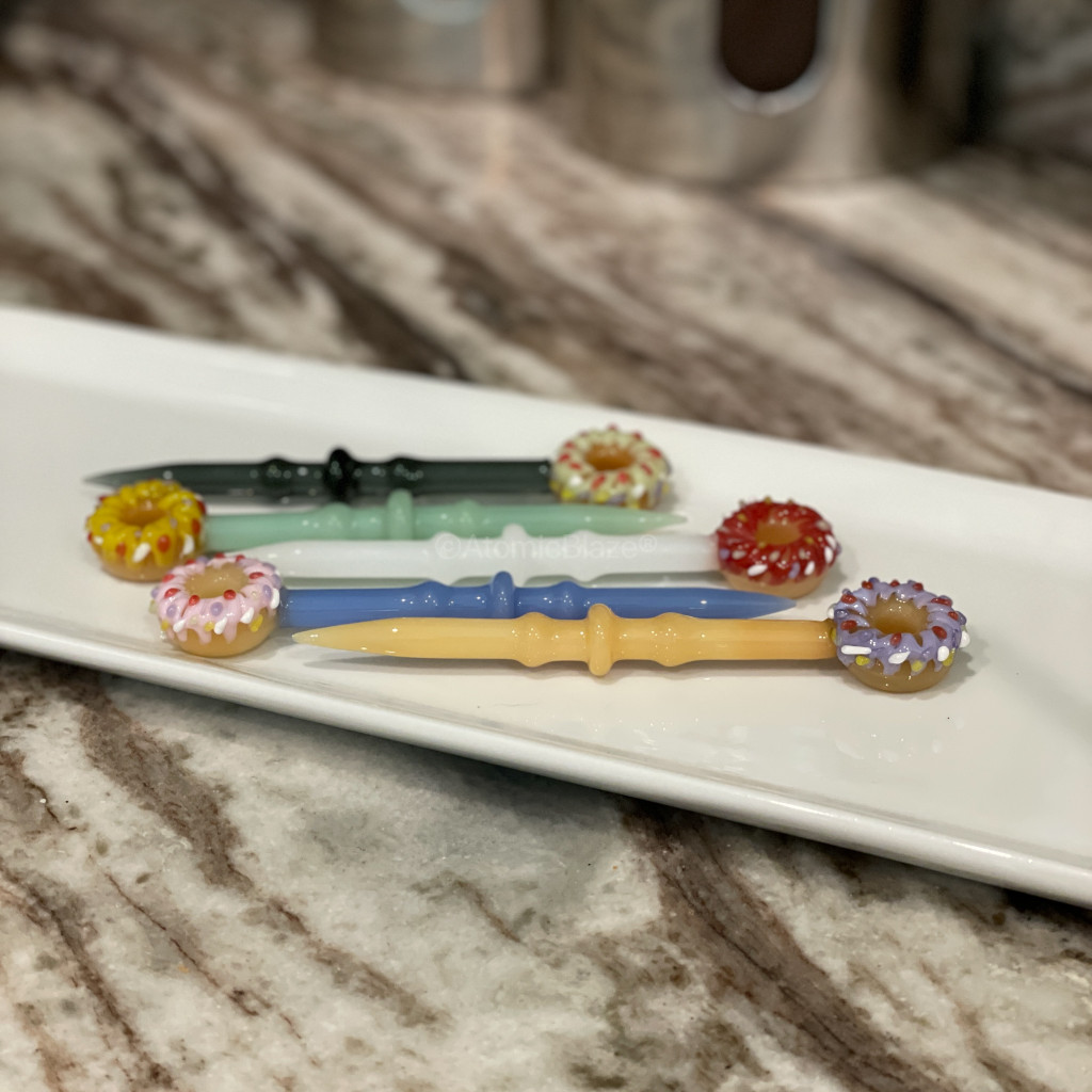 Sale on a Donut Glass Dabbers from AtomicBlaze Headshop and we always have the cheapest glass pipes and bongs and free shipping promos