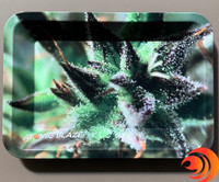 This small leaf print tray from our headshop has a non-stick surface so your product is easy to work.