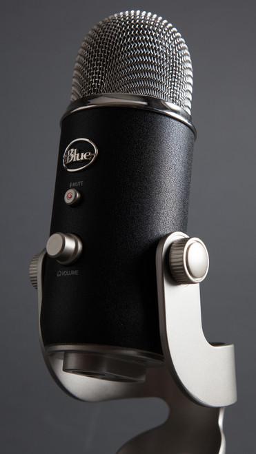 Blue Yeti Pro Ultra-High Resolution USB and XLR Microphone