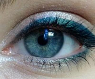 Dimensional Eye Makeup