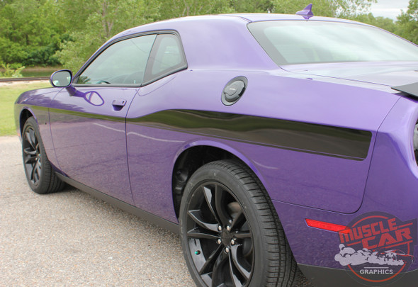 Profile View of 2018 Dodge Challenger Body Decals ROADLINE 2008-2020