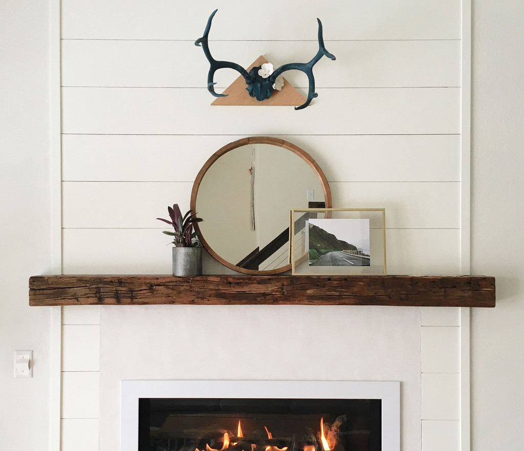 Modern mantel bracket is completely invisible