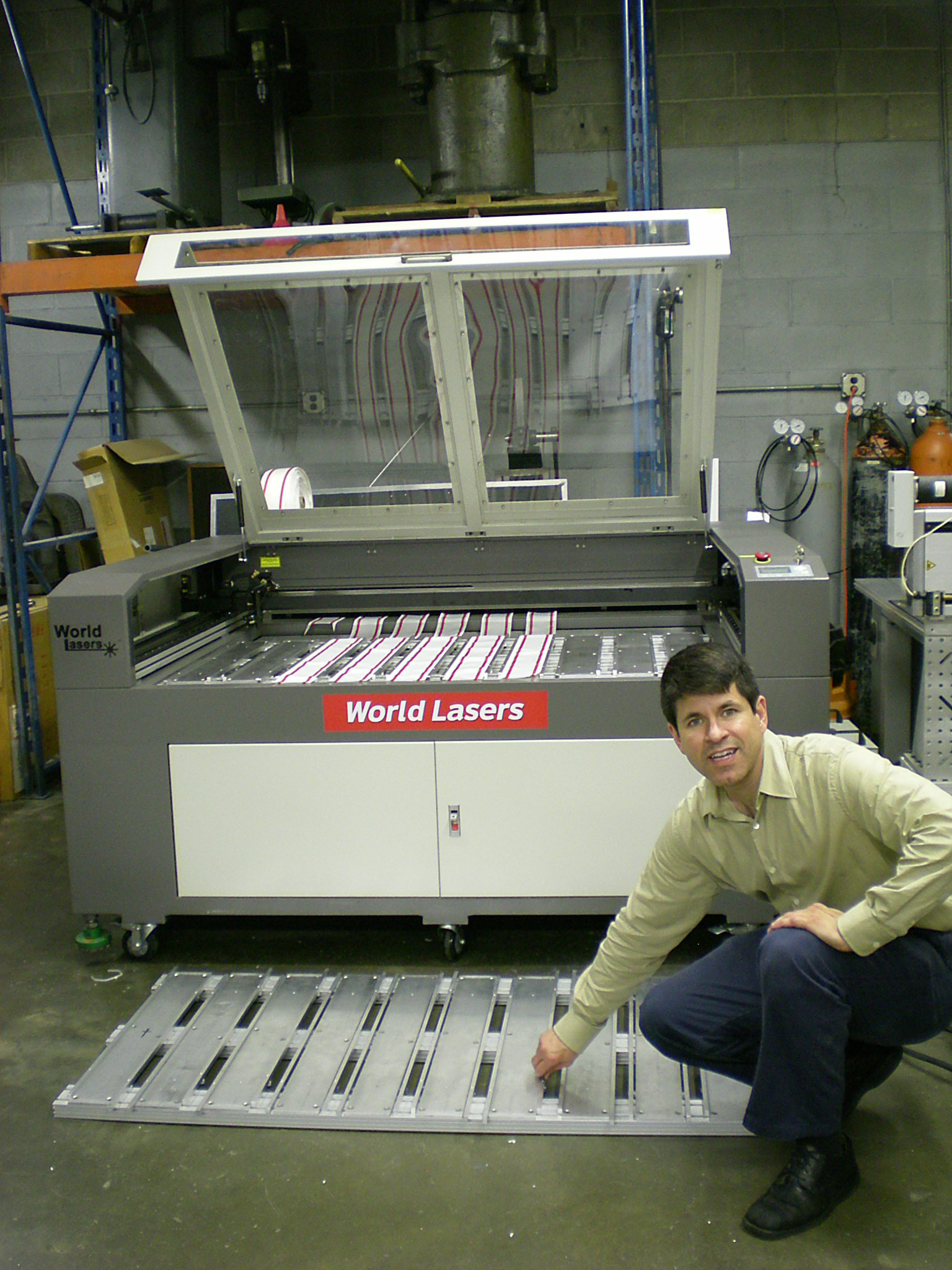automotive-webbing-with-two-fixtures-for-two-laser-machines.jpg