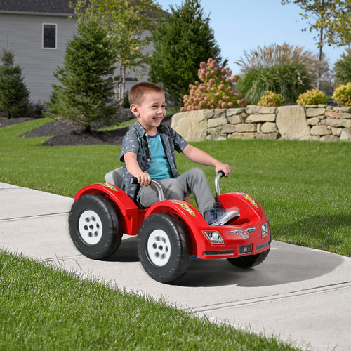 Step2 Zip N Zoom Pedal Car | Kids Red Ride On Toy | Adjustable Grow-with-Me Seat