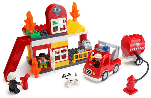 PlayBuild Fire Station Building Blocks Set – 86 Pieces – Includes Fire Department, Building, Fire Engine, Motorcycle, Firemen & Boy Minifigures, Dalmatian & Accessories