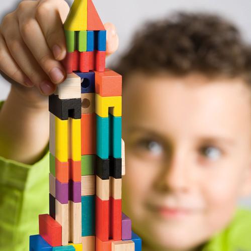 T.S. Shure ArchiQuest Master Builder Wooden Building Blocks Set (136-Piece)