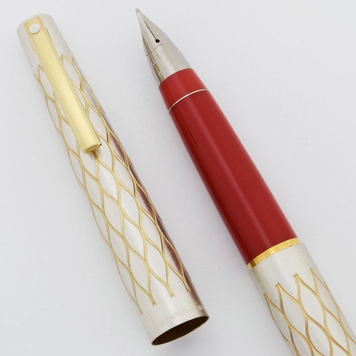 Lady Sheaffer 642 Fountain Pen (1975) - Satin Tulle, Red Section, Triumph Nibs (New Old Stock in Box)