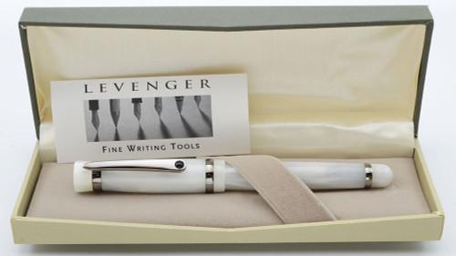 "Levenger (Stipula) Verona Fountain Pen - ""Ice"" White Marble, Medium 14k Nib (Mint in Box, Works Well)"