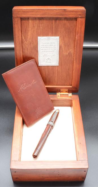 Krone Lincoln L.E. Fountain Pen - Woodgrain Ebonite, Button Fill, 18k Medium Nib (Mint in Box, Restored)