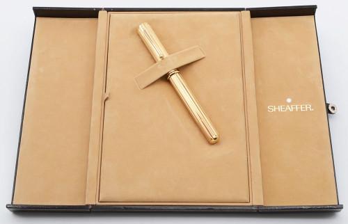 Sheaffer Grand Connaisseur Fountain Pen - Gold Lined Model, Medium 18k Nib (Near Mint NOS in Deluxe Book Style Box)