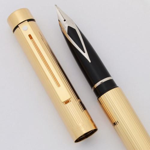 Sheaffer TARGA 1005 - Gold Fluted, Steel Nib (New Old Stock in Box)
