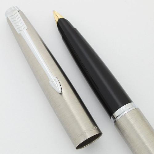 Parker 45 Flighter Fountain Pen (UK-1980) - Chrome Trim,  C/C, 14k Medium Nib (Near Mint, Works Well)